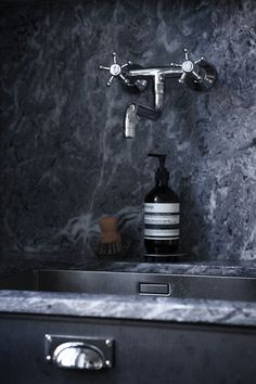 Grey living kitchen - via Coco Lapine Design
