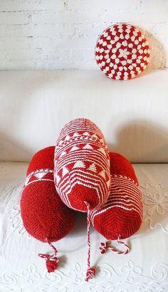Pillow Crochet Marrakech    Red triangles por lacasadecoto en Etsy, €26.00