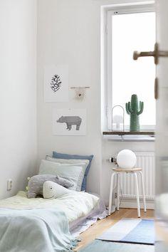 Simplicidade na decoração com a cama montessoriana