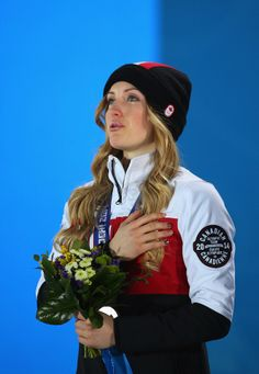 So beautiful, Justine Dufour-Lapointe became emotional during the medal ceremony for the women's moguls final, where she took home the gold. Youth Olympic Games, Beautiful Athletes, Olympic Athletes, Summer Olympics, Great Shots, Winter Sports, Sport Girl, Role Models, Skiing