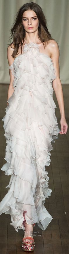 Marchesa.Spring Summer 2015... I BET THIS GOWN IS SO FUN TO WEAR... BUT YOU CAN'T TELL BY THE MODELS FACE ;)