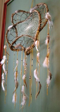 High Grade Native American Made Authentic Dream Catchers From Tribal And Western Impressions! Native made dream catchers big and small Doily Dream Catchers, Dream Catcher Mobile, Diy Tumblr, Dreamcatchers, Moon Dreamcatcher, Deco Nature, Native American Crafts, Wind Chimes, Weaving