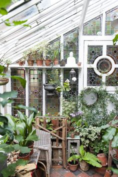 A glasshouse in the garden with stained glass windows Ein Glashaus im Garten mit Buntglasfenstern Small Greenhouse, Greenhouse Plans, Greenhouse Gardening, Greenhouse Wedding, Winter Greenhouse, Garden Cottage, Diy Garden, Dream Garden, Garden Sheds