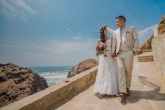 Bodas en la playa #KatanaWedding #matrimoniocompe #bodasperu #bodasenlaplaya #playa #matrimonioplayero #bodasenverano #verano Wedding Dresses, Beach Weddings, Summer Time, Bride Dresses, Bridal Gowns, Weeding Dresses, Wedding Dressses, Bridal Dresses, Wedding Dress
