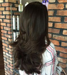 Long+Layered+Brunette+Hairstyle
