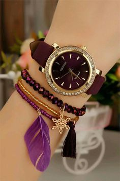 Bordo taşlı saatler - Vlogs Tutorial and Ideas Stylish Watches For Girls, Trendy Watches, Elegant Watches, Beautiful Watches, Cheap Watches, Stylish Jewelry, Cute Jewelry, Mode Rose, Fashion Accessories