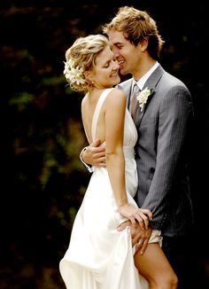 Spray tanning - Do's and Don't s for your wedding...what did this picture have to do with spray tanning? And who thinks that's a natural pose?