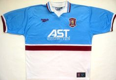 One of my favourites. Still gets an airing in the gym from time to time. Classic Football Shirts, Vintage Football Shirts, Retro Vintage, Polo Ralph Lauren, Soccer, Golf, Mens Tops, Fashion, Moda