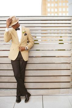 Fedora Hat - 20 Stylish Grooms & Groomsmen Looks for a Wedding - Life with Alyda Groom And Groomsmen Style, Groomsmen Looks, Groomsmen Suits, Groom Attire, Groom Style, Groom Wear, Wedding Hats, Wedding Groom, Wedding Men