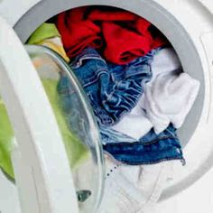 Ropa mucho más blanca y limpia, truco buenisimo #ropa #lavar #DIY Cleaning Solutions, Cleaning Hacks, Organic Cleaning Products, Sparkling Clean, Laundry Hacks, Home Made Soap, Home Hacks, Clean House, Ideas Para