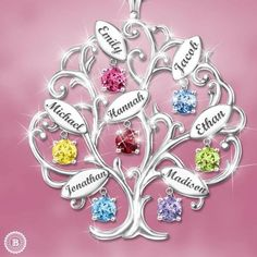 Sterling Silver Family Tree Necklace with Names and Birthstones - Looking for a fabulous gift for Mom or Grandma?  Thrill her with this stunning family tree necklace.  Perfect Mother's Day, Christmas or birthday gift for any woman who loves jewelry and her family!  #necklaces #giftsforher