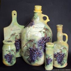 mariann's paper world altered bottle using mod podge Recycled Glass Bottles, Glass Bottle Crafts, Painted Wine Bottles, Vintage Bottles, Bottles And Jars, Bottle Art, Wine Theme Kitchen, Decoupage Jars, Flower Arrangements Simple