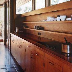 The Marshall House Kitchen in Sydney. Photo Michael Wee. #midcentury #kitchen #timbershelving #wood #amazing #midcenturykitchen