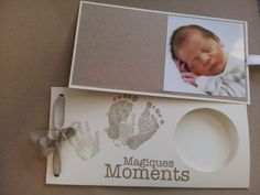 Marinette scrapouille: Tuto faire part de naissance pochette! Baby Cards, Kids Cards, Baby Girl Announcement, Baby Invitations, Baby Boy Or Girl, Welcome Baby, Diy Photo, Baby Prints, Baby Design