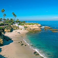 Visited La Jolla Shores of San Diego, CA last year. Best Beach In San Diego, hands down! San Diego Area, San Diego Beach, Dream Vacations, Vacation Spots, Vacation Rentals, Yosemite Park, Places To Travel, Places To See, Travel Destinations