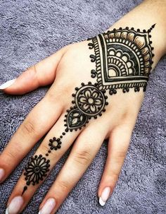 What is a Henna Tattoo? Henna tattoos are becoming very popular, but what precisely are they? Henna Tattoo Hand, Henna Tattoo Designs, Hand Mehndi, Latest Mehndi Designs, Simple Mehndi Designs, Mehndi Designs For Hands, S Tattoo, Mehandi Designs, Henna Art