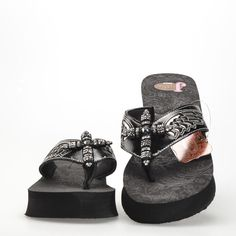 860abf35e Justin Boots Women s Presley Sandals Flip Flops Black Multiple Sizes Save  BIG!