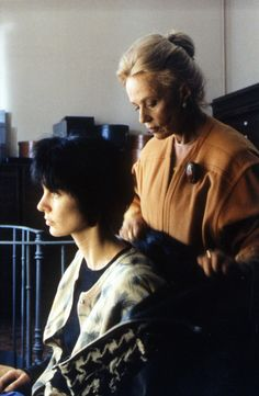 Anne Parillaud & Jeanne Moreau in Nikita (1990)