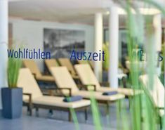 Wohlfühlen im Family-Spa Das Ludwig****S - Super-Special - SPAworld Outdoor Chairs, Outdoor Furniture, Outdoor Decor, Spa, Home Decor, Nice Asses, Room Decor, Garden Chairs, Home Interior Design