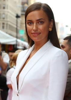 Gorgeous Irina Shayk with bronzed skin. #irinashayk #bronzed