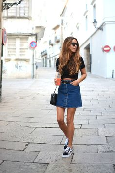 Street style // A sporty denim skirt look