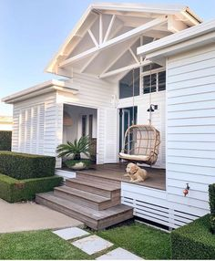 31 Popular Beach House Exterior Design Ideas You Will Love - A beach house design isn't just one particular look. Coastal abodes can differ in shape, size, and, most importantly, color. Your home by the ocean do. Beautiful Beach Houses, Beautiful Homes, White Beach Houses, House Goals, Beach House Decor, Beach Cottage Style, Beach Cottages, My Dream Home, Dream Life