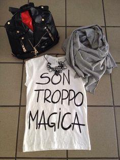 Zaino mischino inspired € 30 Collana €20 T-shirt dipinta a mano € 25 Sciarpa cucita da me€ 12