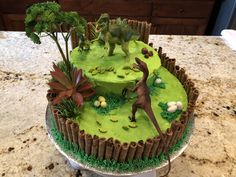 Savory magic cake with roasted peppers and tandoori - Clean Eating Snacks Dinasour Birthday Cake, Dinosaur Birthday Party, First Birthday Cakes, 4th Birthday, Dino Cake, Volcano Cake, Grands Parents, Birthdays, Party Ideas