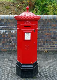 Black Country Victorian Postbox by pentaxrob, via Flickr Antique Mailbox, Vintage Mailbox, You've Got Mail, Tiny Furniture, Red Bus, Post Box, Vintage Vans, 3d Printing, Victorian
