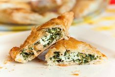 this is what I am cooking tonight, the only and original spanakotiropita by theodoridis Vegetarian Recipes, Veggie Recipes, Snack Recipes, Vol Au Vent, Vegan Chicken Salad, Brunch, High Tea, Appetizer Recipes, Food Inspiration