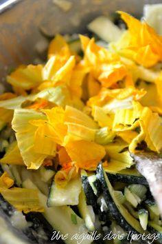 Scarpaccia de courgettes, d'Alain Ducasse Alain Ducasse, Beignets, Food Plating, Sushi, Brunch, Ethnic Recipes, Week End, Quiches, Parmesan