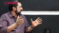 Gonzalo Valdés Medellín entrevista a nuestro tutor de dramaturgia, David Olguín.
