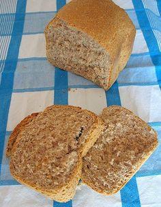 Il pane con farina integrale è il mio pane. Quando lo mangio la mente vola ai campi di cereali, ai granai, alla terra.Secondo me no...
