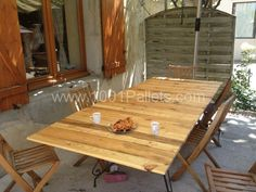 Pallet table for 12 people | 1001 Pallets