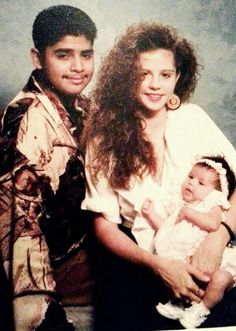 selena gomez rare baby photos | Rare Picture: Selena Gomez With Mom Mandy & Dad Ricardo As A Baby ...