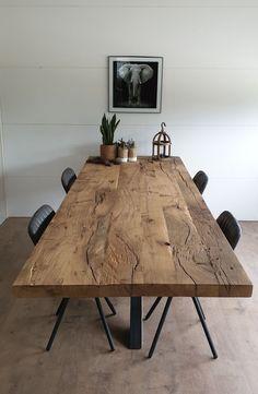 Old oak dining table # dining room # dining table # old oak # industrial # living ins … - Modern Oak Dining Table, Wooden Dining Table Designs, Industrial Living, Industrial Interiors, Industrial Table, Dining Room Design, Dinner Table, Dinner Room, Living Room Decor