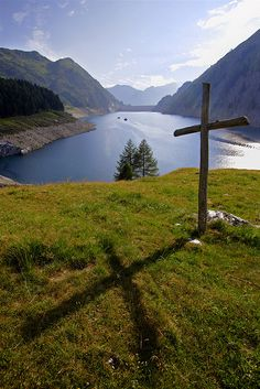 Beautiful Cross by raphisa, via Flickr