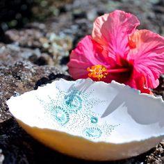 Hibiscus Tea, Handmade Ideas, Porcelain Ceramics, Ios App, Tart, Summertime, Hawaii, Pottery, Ocean