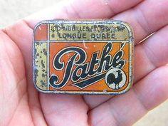 RARE-Vintage-PATHE-Gramophone-Needle-Case-ANTIQUE-TIN