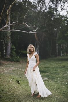French lace wedding dress with capped sleeves and sheer lace back from Graceloveslace on Etsy. Saved to marriage material. Vintage Style Wedding Dresses, Casual Wedding, Boho Wedding Dress, Wedding Gowns, Lace Wedding, Dress Vintage, Dream Wedding, Wedding Ceremonies, Forest Wedding