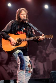 The Verve, Acoustic Music, Lenny Kravitz, Neil Young, I Love Music, The Clash, Foo Fighters, Amy Winehouse, Black Sabbath