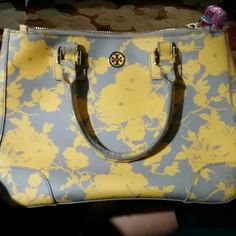 Tory Burch Robinson Mini Satchel This bag is in mint condition, beautiful spring bag that is yellow and gray. Has to large zipper pockets and an interior zipper pocket, two open interior pockets, has detachable shoulder strap and two handles. I love it but need some extra money for putting my house on the market! Tory Burch Bags Satchels