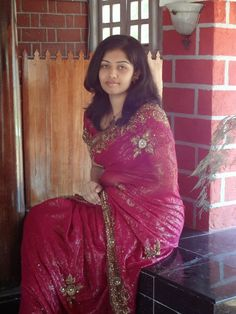 Indian Housewives and Girls in Saree, Homely college girl wearing saree