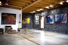 Rufina Santana´s paintings  works also in a  stone wall.....
