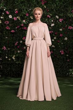 gorgeous gowns Shop the latest women's nude and blush evening dresses, lace wedding gowns and sexy prom dresses. Browse our selection from the top fashion stores. Trendy Dresses, Simple Dresses, Beautiful Dresses, Nice Dresses, Fashion Dresses, Hijab Fashion, Fashion News, Women's Fashion, Fashion Stores
