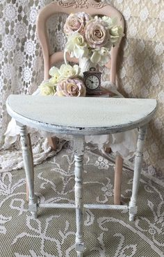 Shabby Demilune TableVintage Half Round by FannyPippin on Etsy Diy Furniture Redo, Painted Furniture, Half Round Table, Demilune Table, Muebles Shabby Chic, Vintage Garden Decor, Pink Accents, Cottage Chic, Home Furnishings