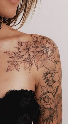 shoulder tattoo Gorgeous And Exclusive Shoulder Floral Tattoo Designs You Dream To Have; Body Art Tattoos, Small Tattoos, Tatoos, Rose Tattoos, Wild Flower Tattoos, Hand Tattoos, Wild Rose Tattoo, Tattoos Pics, Neck Tattoos