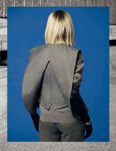 Sculptural Fashion // materia grigia: monika sawicka by timur celikdag for vanity fair italia november 2014 3d Fashion, Minimal Fashion, Fashion Details, Editorial Fashion, High Fashion, Womens Fashion, Fashion Design, Sculptural Fashion, Contemporary Fashion