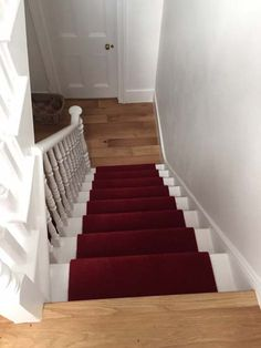 Stylish stair carpet ideas and inspiration. So you can choose the best carpet for stairs.Quality rug for stairs, stairway carpets type, etc. Best Carpet For Stairs, Stairway Carpet, Hallway Carpet, Carpet Stairs, White Carpet, Diy Carpet, Carpet Ideas, Home Design Decor, House Design