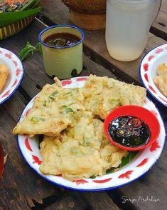 Lumpia, Padang, Home Food, Indonesian Food, Hummus, Recipies, Snacks, Ethnic Recipes, Dinner Ideas